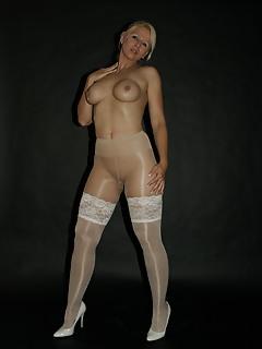 MILF Pantyhose Pics